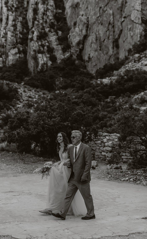 INTIMATE DESERT WEDDING